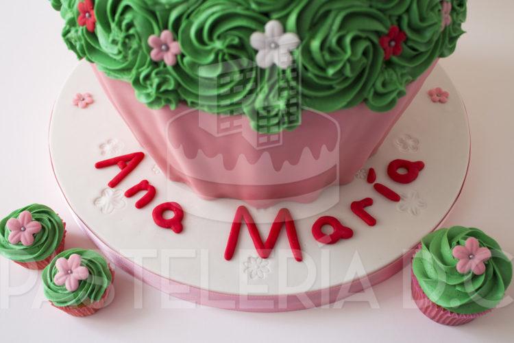 cupcake-gigante-peppa-detalle04