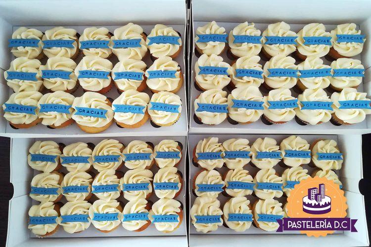 Mini cupcakes personalizados temáticos en Bogotá agradecimiento