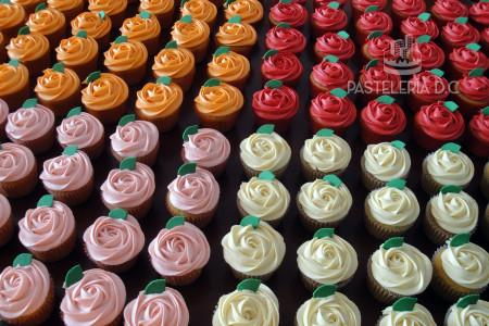 Cupcakes Rosas en Bogotá Rosette en crema Día de la Madre o de la Mujer