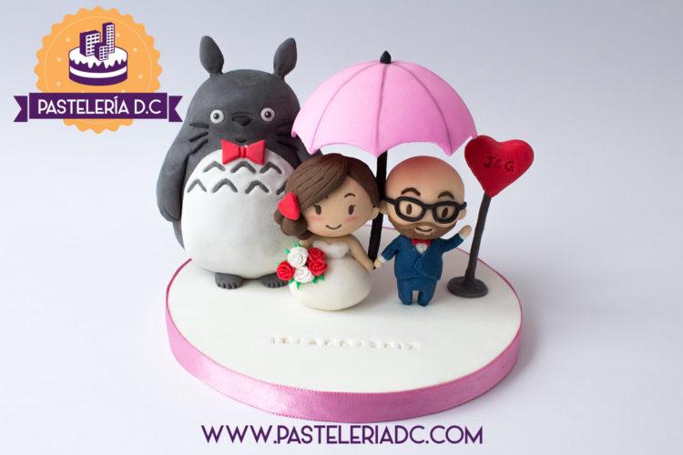 Topper Figura personalizada pareja novios Totoro Ponqué Pastel Torta Matrimonio o Boda en Bogotá