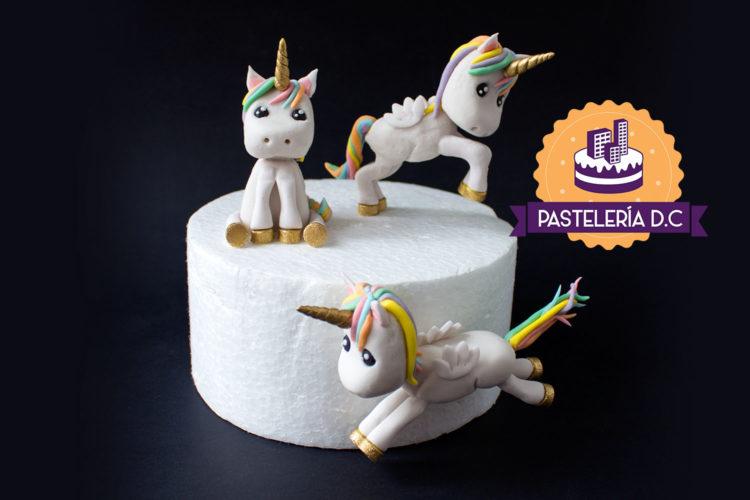 Toppers figuras Unicornios alados Alicornios Ponqué Pastel Torta personalizada en Bogotá
