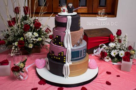 Ponqué Pastel Torta personalizada Matrimonio o Boda Batman Star wars en Bogotá
