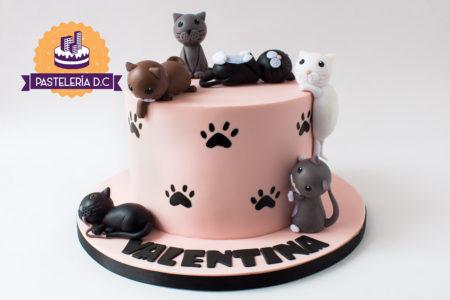 Ponqué Pastel Torta personalizada en Bogotá Gatos Gatitos y Huellas