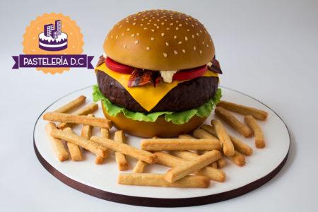 Ponqué Pastel Torta personalizada en Bogotá hamburguesa y papas