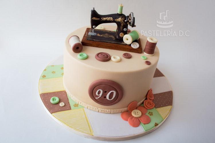Ponqué Pastel Torta personalizada en Bogotá costura máquina de coser Singer abuelita