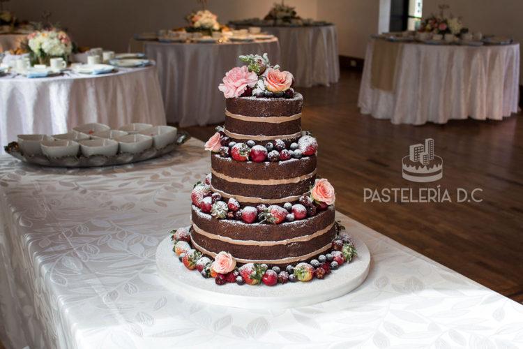 Ponqué Pastel Torta desnuda Matrimonio o Boda chocolate Naked Cake en Bogotá