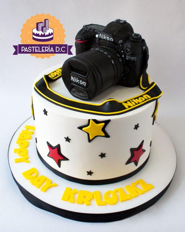 Ponqué Pastel Torta personalizada en Bogotá Cámara fotográfica Nikon