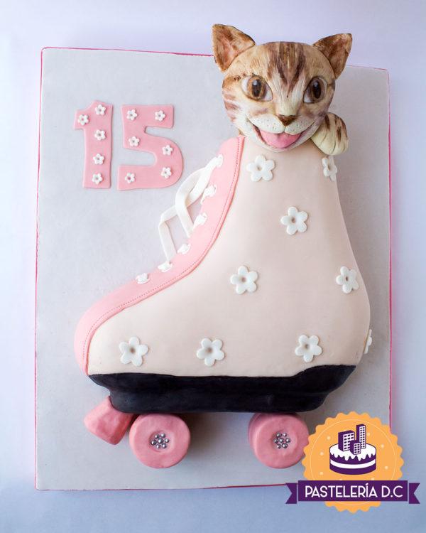 Ponqué Pastel Torta personalizada en Bogotá patín y gato