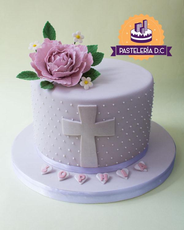 Ponqué Pastel Torta personalizada en Bogotá Primera Comunión con Cruz y flores de azúcar