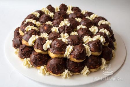 Torta de Profiteroles venezolana en Bogotá Repollitas Choux